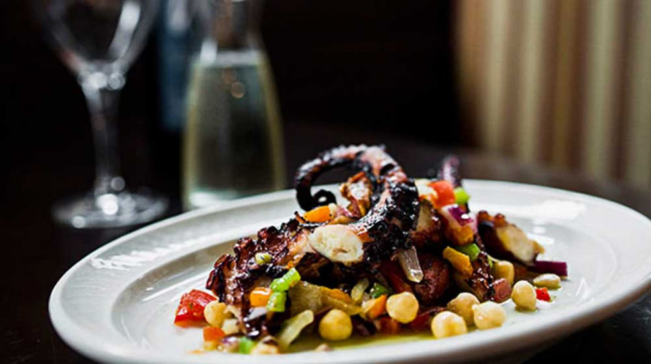 Mp taverna greek restaurant astoria ny for Astoria greek cuisine