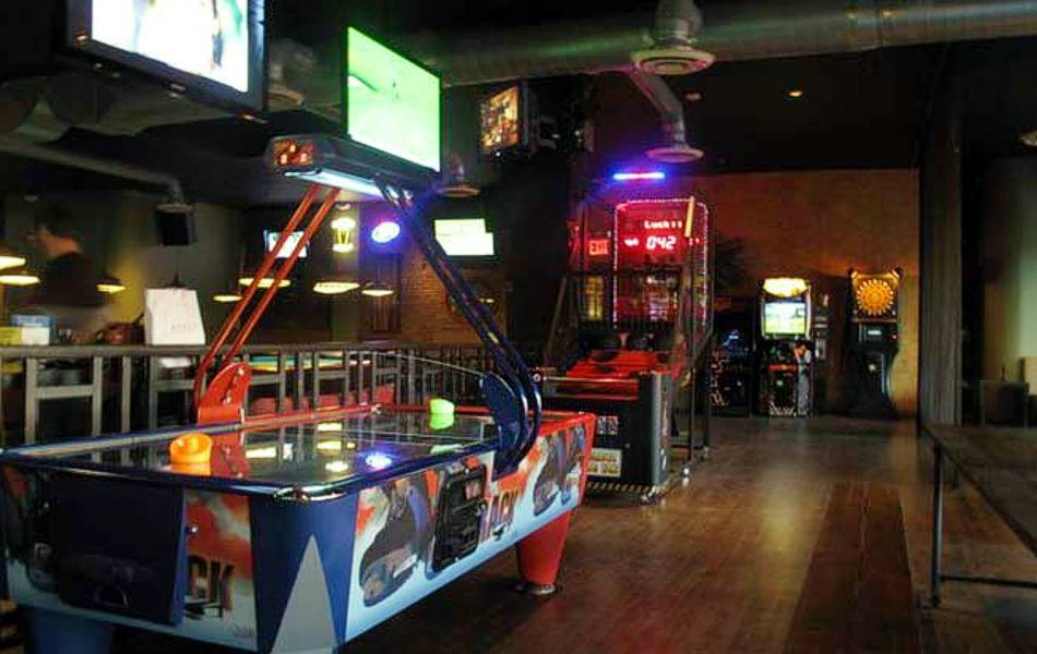 Break Bar & Billiards Sports Bar