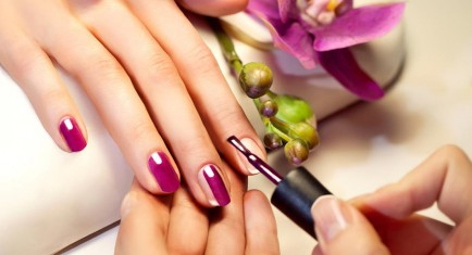 LIVIA'S NAILS AND SPA - LIC