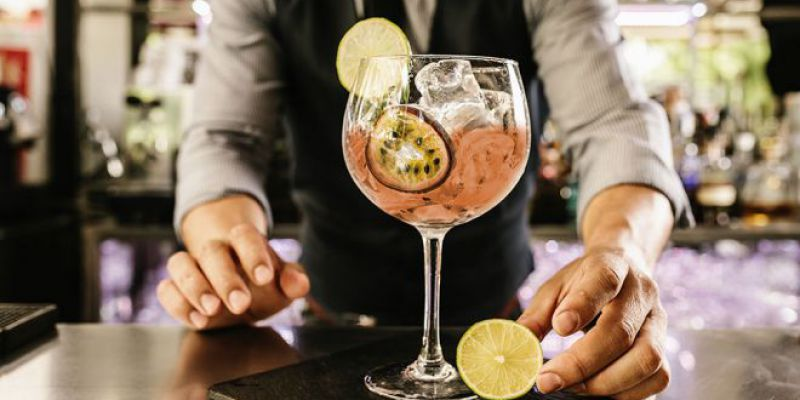 Best Happy Hour Bars in Time Square, NY