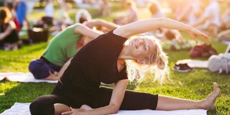 Outdoor Yoga in Manhattan, NY