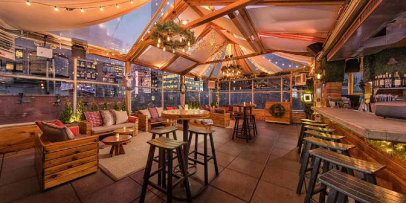 Year-Round Rooftop Bar Dining
